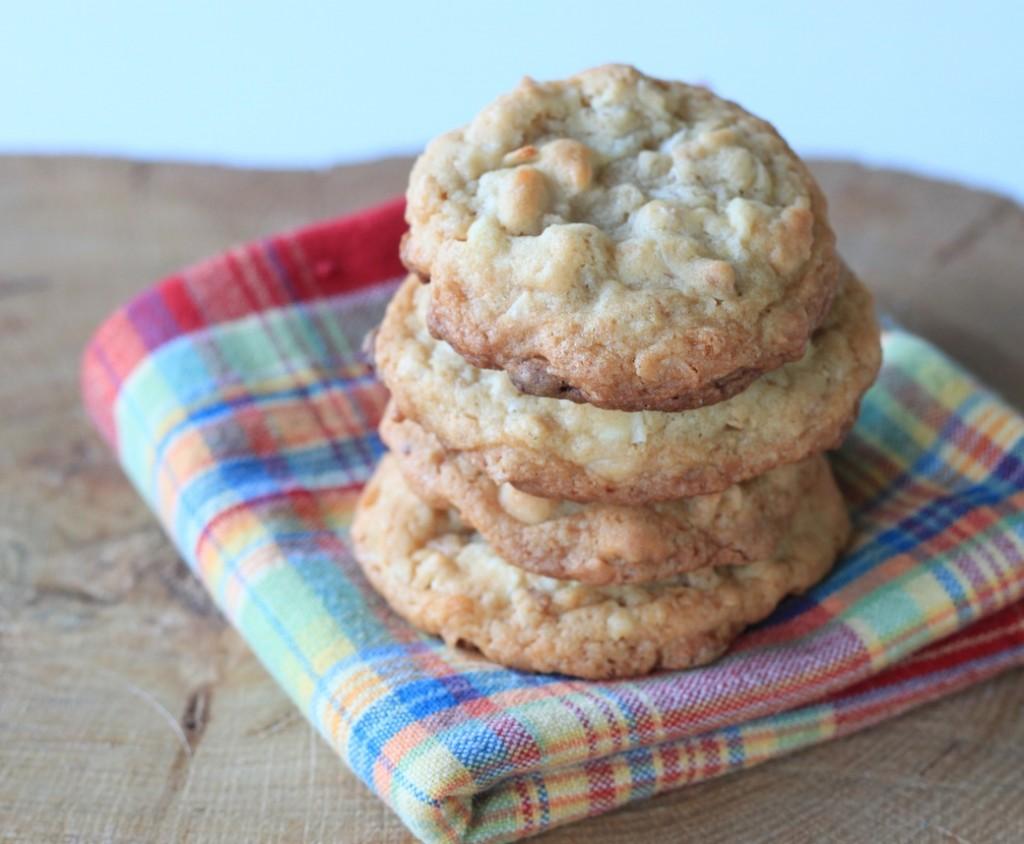 greens & chocolate: almond vanilla granola cookies